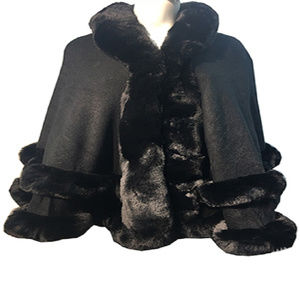 New Luxurious Faux Trimmed Cape Shawl